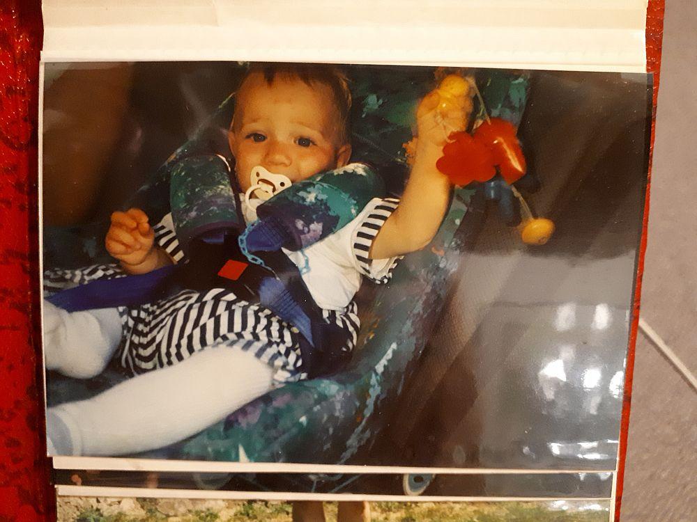 Baby im Kinderistz 1991