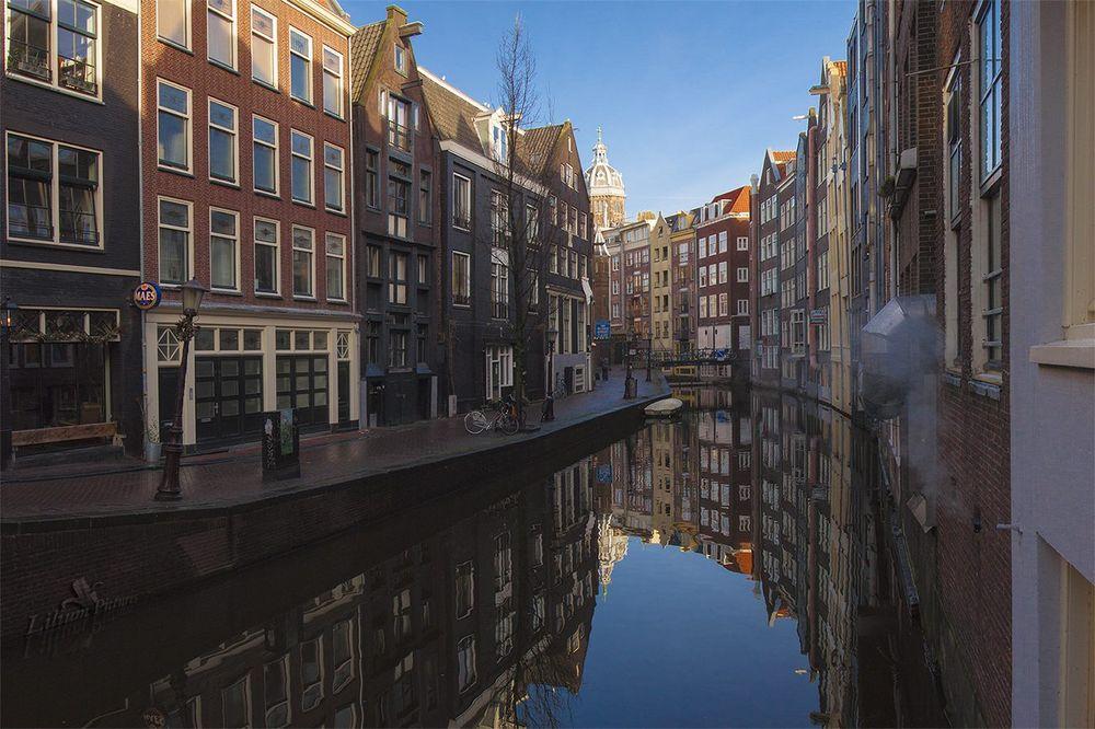 Gracht bei Kurztrip nach Amsterdam