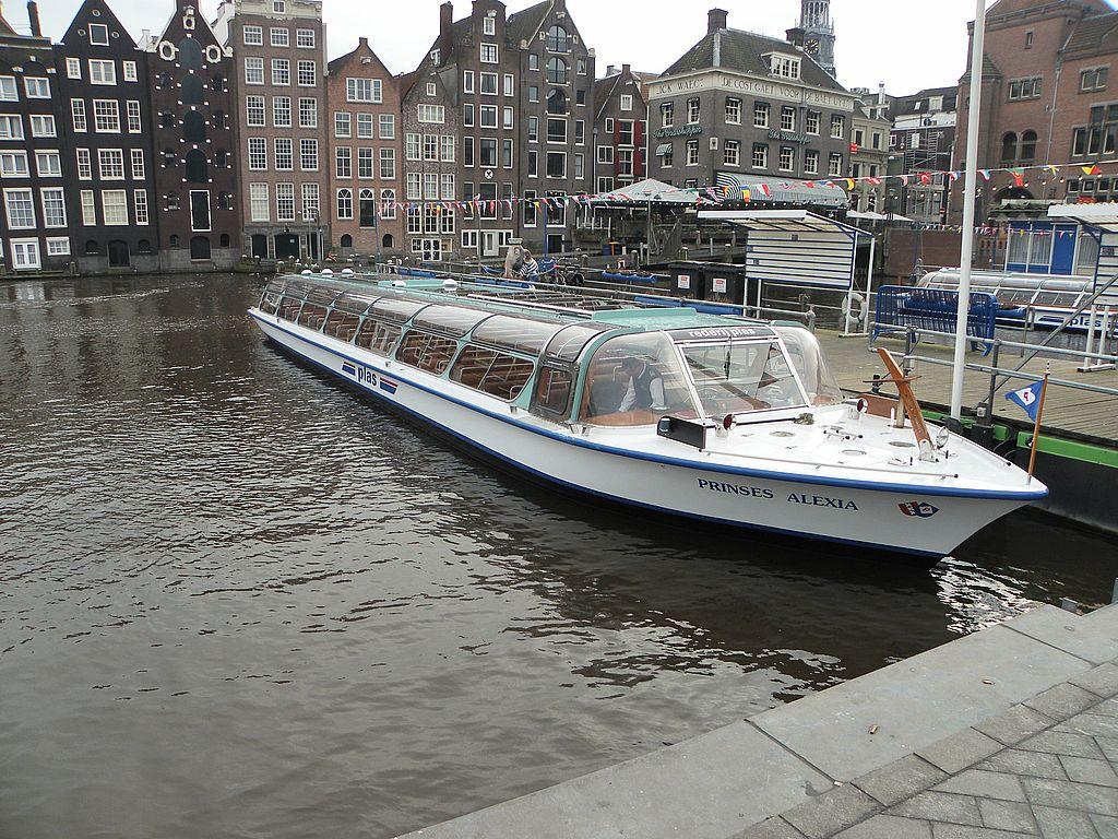 Grachten Boot bei Kurztrip nach Amsterdam