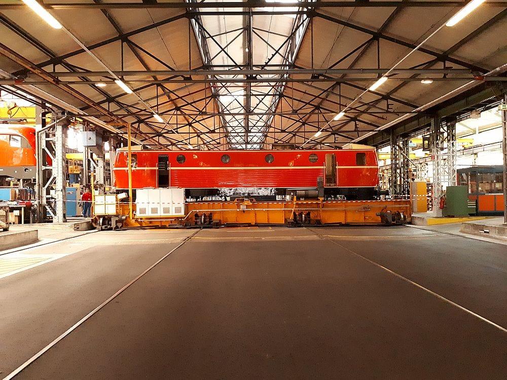 Eine 1044 Lok in der Werkstatt